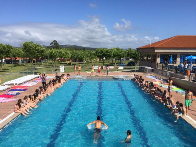 Piscina Paisaxe Summer Camp