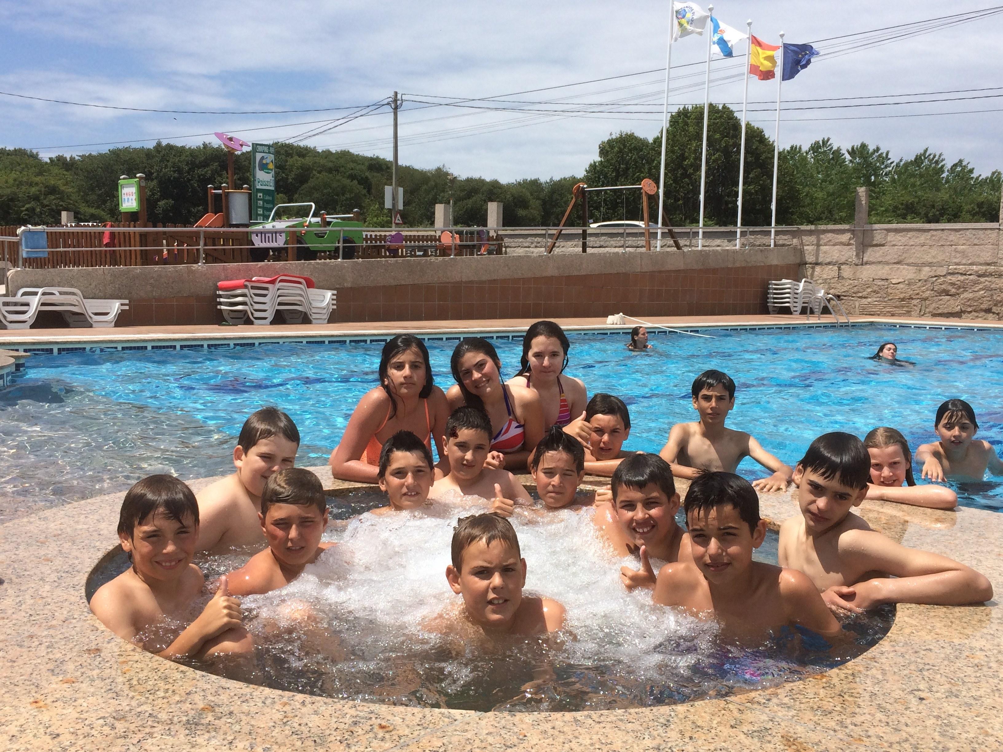 Jacuzzi Piscina Paisaxe Summer Camp
